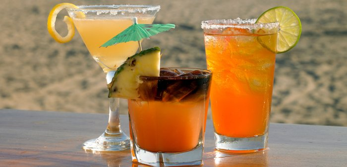 dukes-waikiki-cocktails