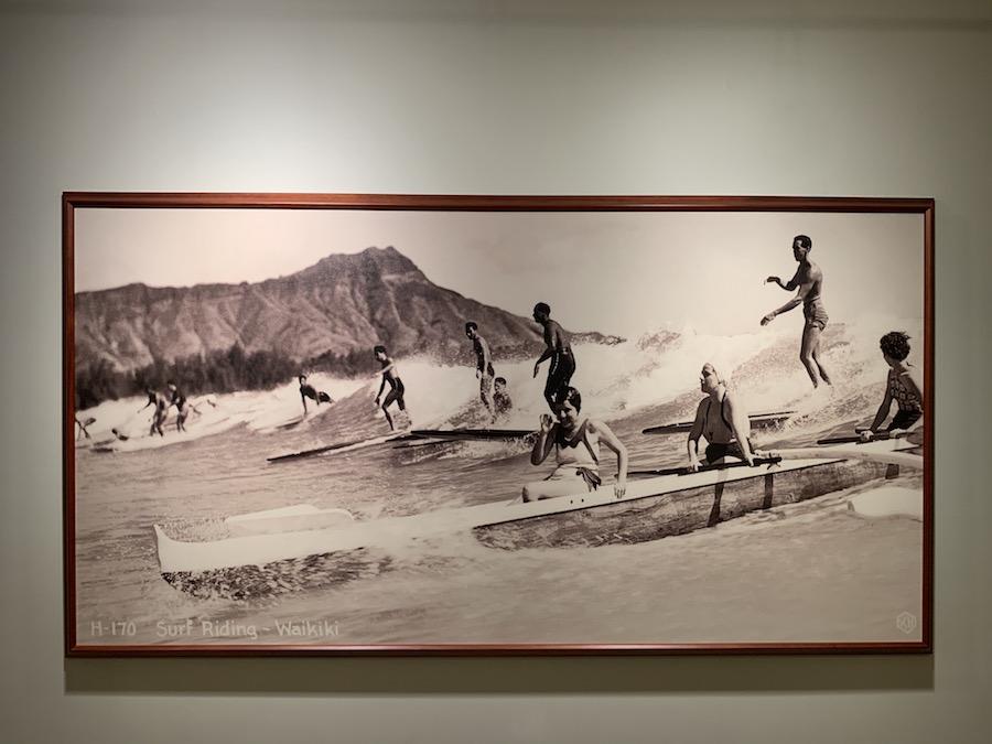 Moana Surfrider Waikiki Beach Surfers